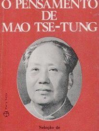 O Pensamento De Mao Tse-Tung reúne as obras Sobre a Prática e Sobre a Contradição e Intervenção aos Debates sobre Arte e Literatura.